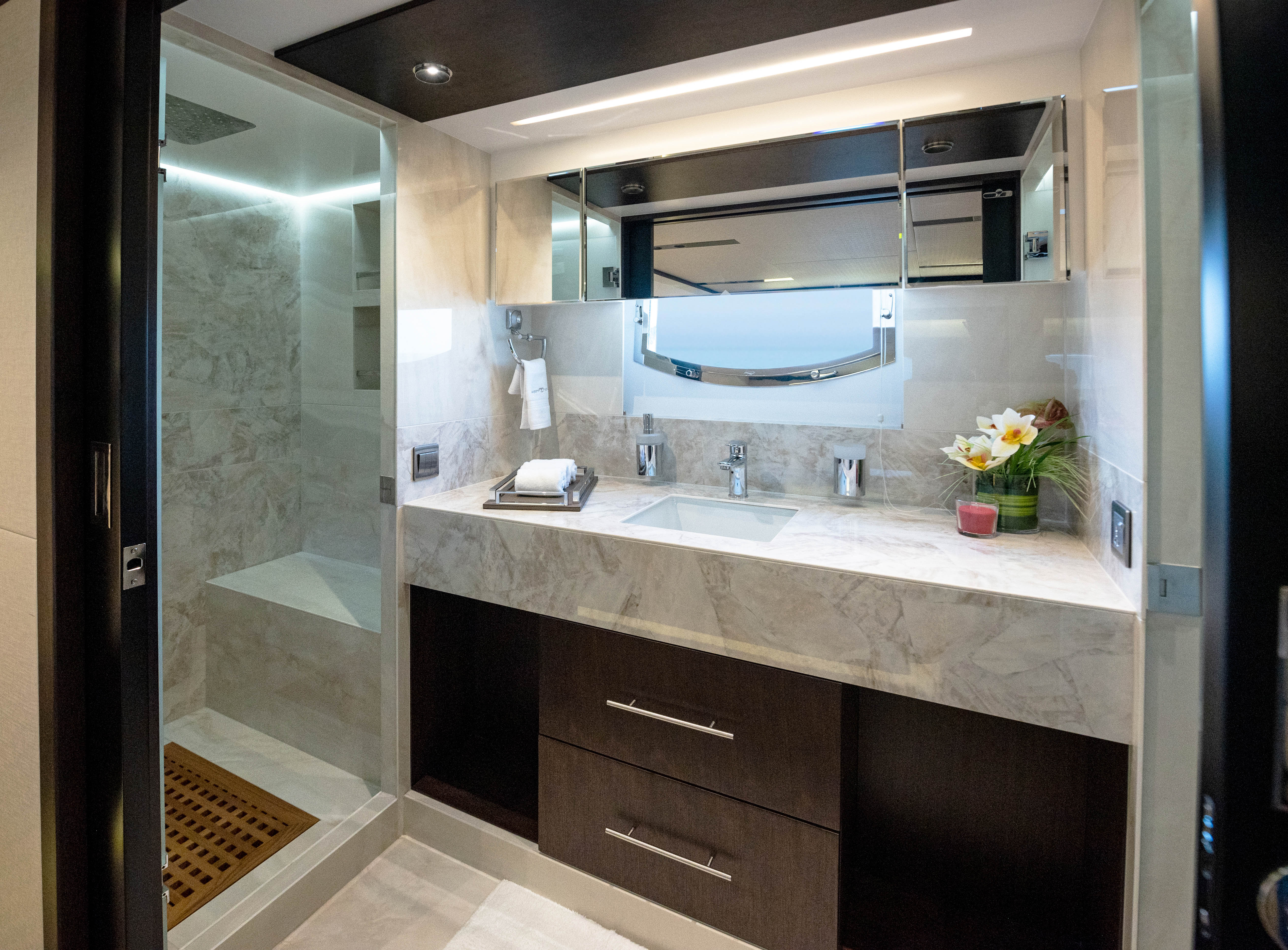 Majesty_62_M_Owners Ensuite_01